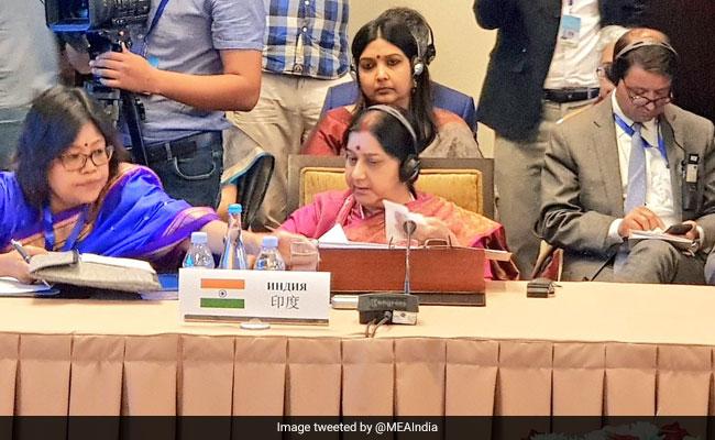 """Polls End, Talks With Pakistan Begin"": Congress Dig Over Sushma Swaraj-Shah Mehmood Qureshi Photo"