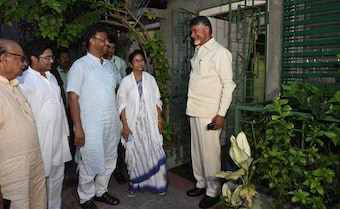 In Chandrababu Naidu's Meet With Mamata Banerjee, A Whiff Of Worry