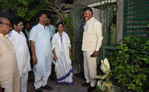 In Chandrababu Naidu's Meeting With Mamata Banerjee, A Whiff Of Worry