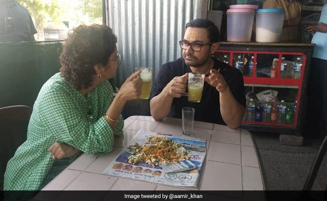 आमिर खान गन्ने का रस पीते आए नजर, फैन्स बोले- सर गन्ने का रस होता है जूस नहीं..
