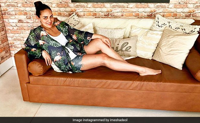 How Esha Deol Is Dealing With The Summer Heat In Her Final Trimester