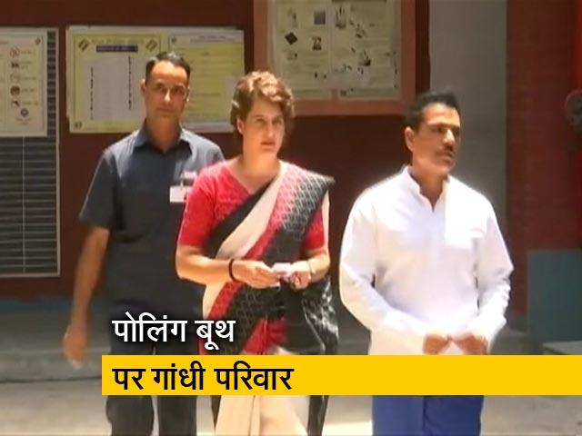 Videos : वोट डालने के बाद राहुल गांधी और प्रियंका ने पीएम मोदी पर साधा निशाना