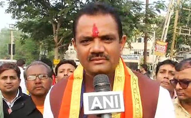 गुजरात के BJP प्रमुख जीतूभाई वघानी पर चला चुनाव आयोग का डंडा, प्रचार करने पर लगा 72 घंटे का बैन