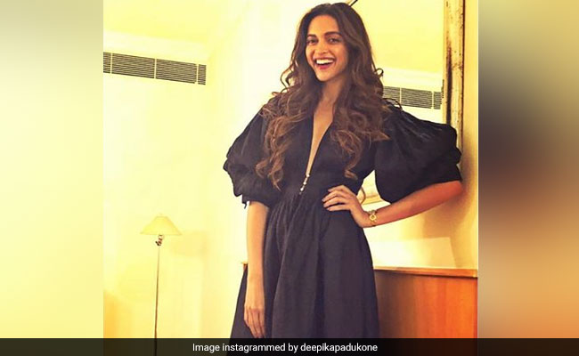 What Deepika Padukone Posted After A Gift From Ranbir Kapoor's Mom Neetu