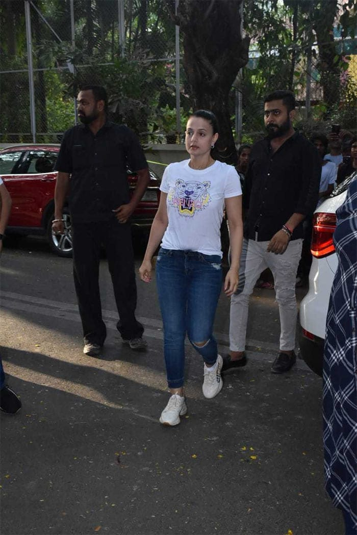 तीन करोड़ रुपये के चेक बाउंस मामले में इस बालीवुड अभिनेत्री के खिलाफ वारंट