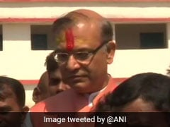 Lok Sabha Elections 2019: Union Minister Jayant Sinha Casts Vote in Hazaribagh In Jharkhand