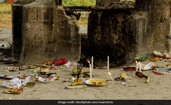 In This Town In Telangana, People Can Perform Funerals At Re 1