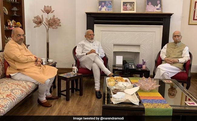 Image result for प्रधानमंत्री मोदी ने लिया आडवाणी-जोशी से आशीर्वाद