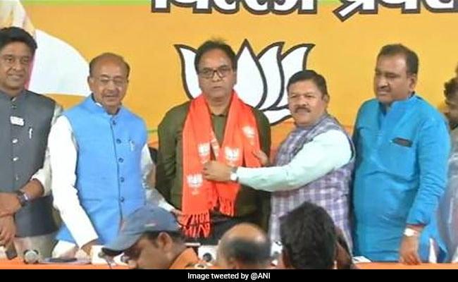 दिल्ली: आम आदमी पार्टी को बड़ा झटका, बीजेपी में शामिल हुए गांधी नगर से विधायक अनिल बाजपेयी