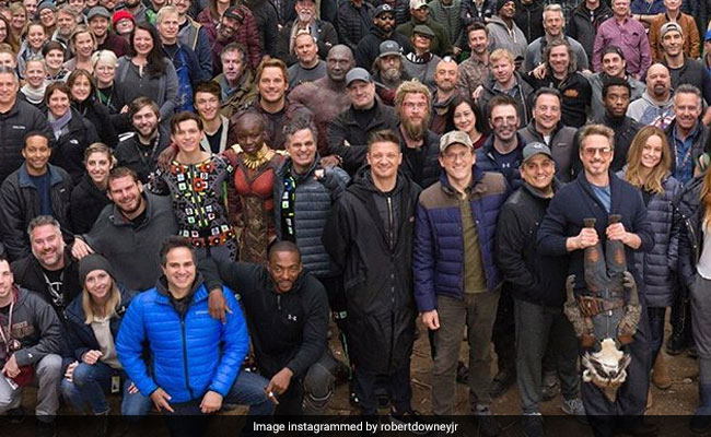 Viral: Robert Downey Jr Posts Epic Avengers Cast And Crew Pic And We Love It 3,000