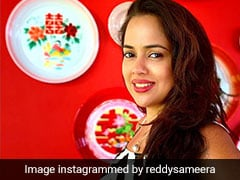 Sameera Reddy Is Getting 'Happily Tanned' On Her Babymoon In Goa
