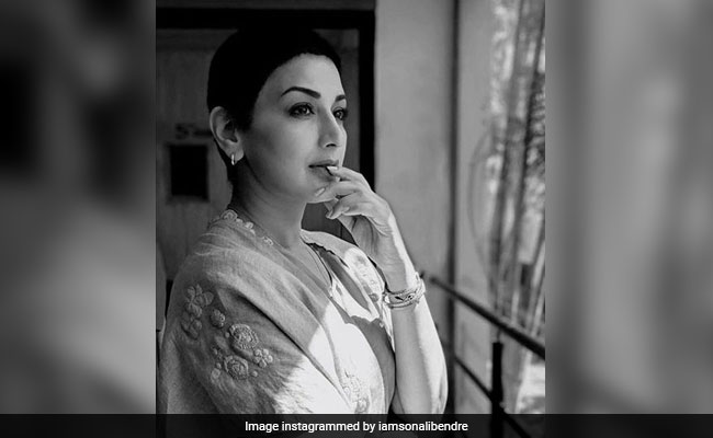 Sonali Bendre Reveals She Wept For An Entire Night After Cancer Diagnosis