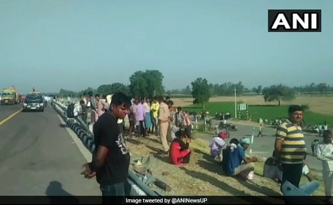 Bus Rams Tractor On Lucknow-Agra Expressway, 5 Dead, Over 30 Injured