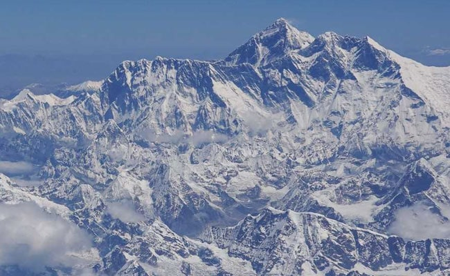 Utah father dies on Mount Everest after joining 'Seven Summits Club'