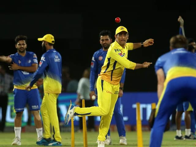 Vivian Richards Suggest MS Dhoni And Team Should Play Like Liverpool