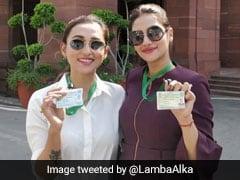मिमी और नुसरत के समर्थन में अलका लांबा का ट्वीट, बोलीं- कपड़ों से परेशानी है, आतंकी-अपराधी के संसद पहुंचने...