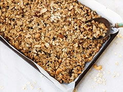 Weight Loss-Friendly Breakfast Recipe: Make Fibre And Protein-Rich Toasted Almond Granola (Video)