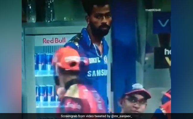 IPL 2019: हार्दिक पंड्या खा रहे थे चॉकलेट, विरोधी खिलाड़ी को किया ऑफर तो हुआ ऐसा... देखें VIDEO