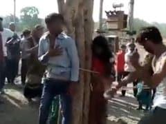 दूसरी शादी के लिए पति को छोड़ गई थी पत्नी... पहले पति ने बुलाया और पेड़ पर बांधकर पीटा, वीडियो हुआ Viral