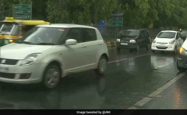 Light Rain, Winds Hit Delhi; Weather To Remain Pleasant Tomorrow