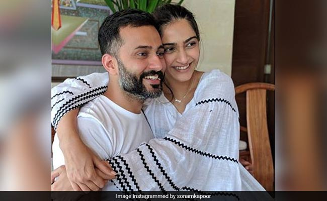 On First Anniversary, Sonam Kapoor Reveals She Put On Weight And Had Dark Circles After Wedding And 'That's Okay'