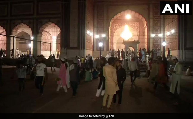 PM Modi, Other Leaders Greet Nation As Ramzan Begins