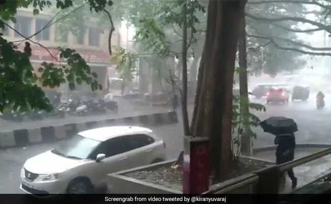 Heavy Rain, Hailstorm Hit Bengaluru; Twitter Rejoices Pleasant Change