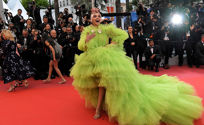 Cannes 2019: Ranveer Singh Loved Deepika Padukone's 'Insane' Look. The Internet Didn't