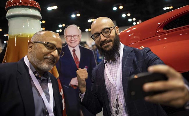 Indian-Origin Father And Son See Much To Admire In Warren Buffett's Ways