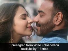 <i>De De Pyaar De</i> Song <i>Chale Aana</i>: Ajay Devgn And Rakul Preet Singh Can't Stay Away From Each Other
