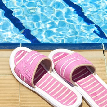 10 Slider Sandals For Poolside Lounging