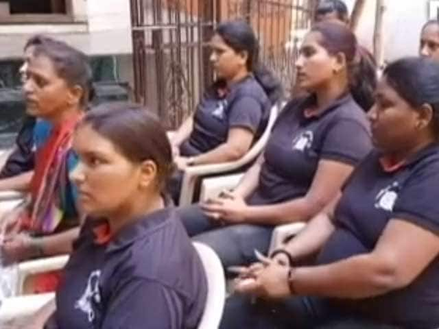 Video : Women Bouncers In Pune Set An Example