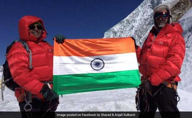 Three Indians die on overcrowded Everest