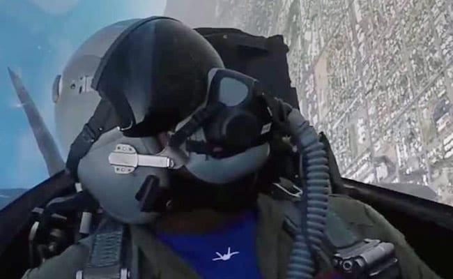 "F-22 Raptor: Inside the Cockpit Of The ""Ultimate Killing Machine"""