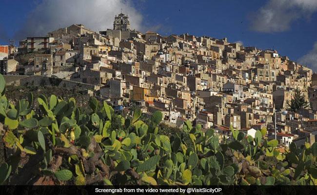 इस देश में सिर्फ 77 रुपये में मिल रहा है खूबसूरत घर, बस पूरी करनी होगी ये एक छोटी-सी शर्त