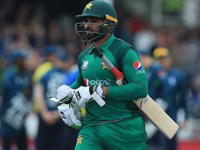 Grieving Asif Ali Rejoins Pakistan World Cup Squad After Daughters Funeral