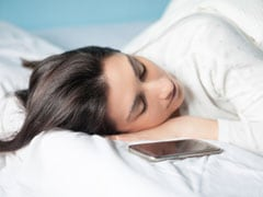 Many Teens Sleep With Their Phones, Just Like Their Parents; Know The Hazards