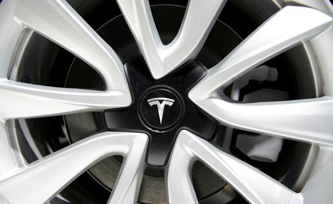 Tesla Model S Catches Fire In Hong Kong Parking Lot: Report