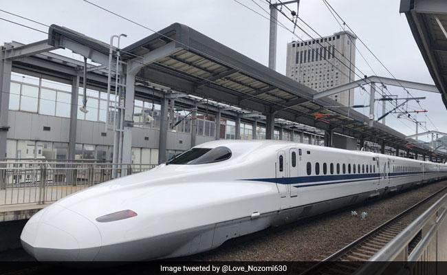 360 किलोमीटर प्रति घंटा दौड़ती है ये बुलेट ट्रेन, जल्द ही आम लोगों के लिए होगी शुरू...देखें VIDEO