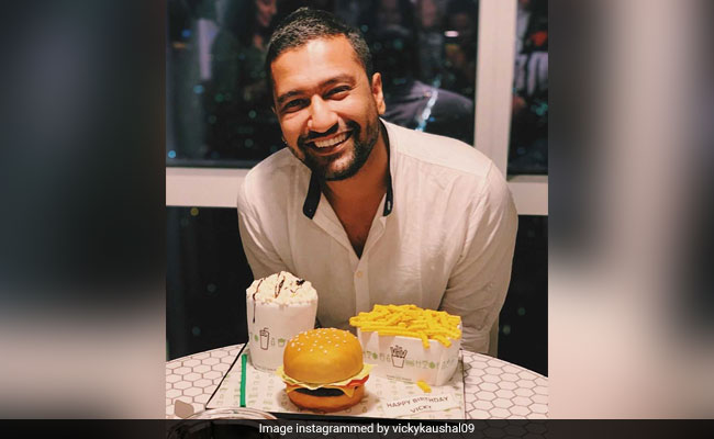 Vicky Kaushal Celebrates Birthday In New York With The Best Cake Ever