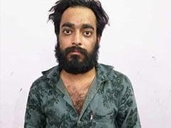 हत्या करने के बाद 4 साल की बेटी के साथ सोता रहा पिता