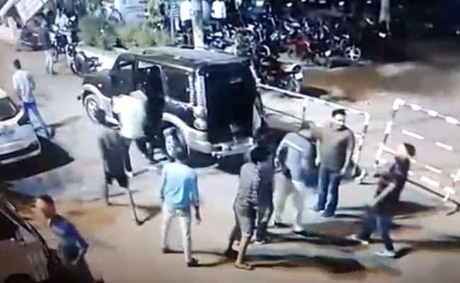 मध्यप्रदेश : भिंड में अस्पताल में दो गुट भिड़े, फायरिंग से एक व्यक्ति घायल