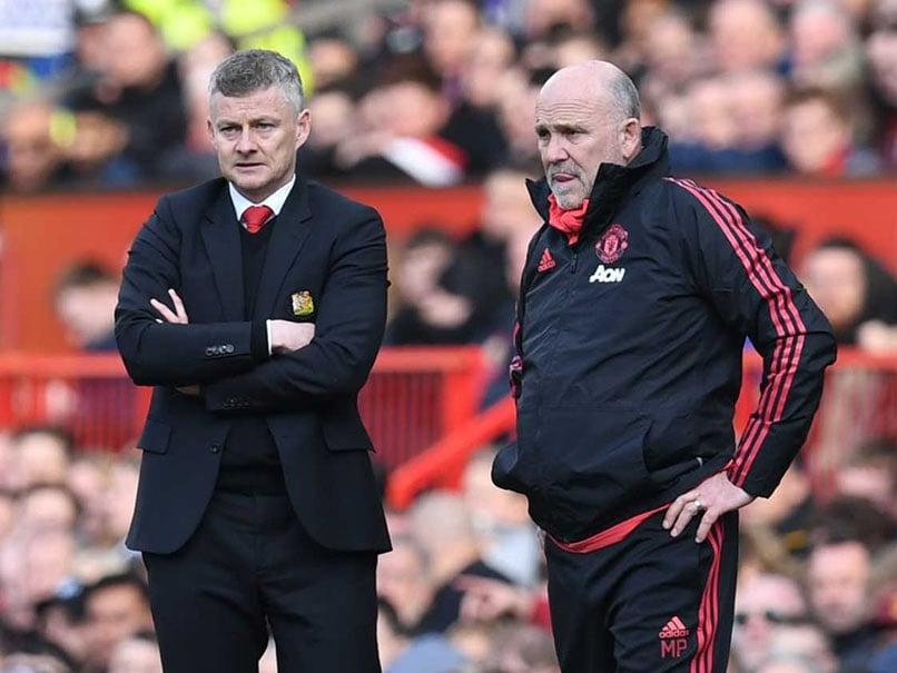 Manchester United Hand Mike Phelan Permanent Deal, Eye ...