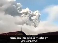 इंडोनेशिया में फटा ज्वालामुखी, 2000 मीटर दूर तक फैला धुआं...हर तरफ राख ही राख, वायरल हुआ VIDEO