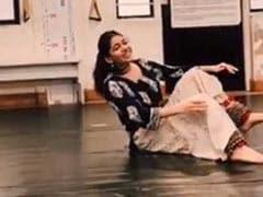 Pooja Bedi की बेटी कर रही थीं डांस की प्रैक्टिस और तभी हुआ कुछ ऐसा- देखें Video