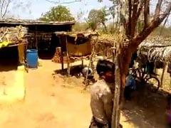 VIDEO: मध्य प्रदेश में 60 किलो चने की उधारी न चुकाने पर शख़्स को 45 डिग्री की गर्मी में पेड़ से बांधकर रखा भूखा