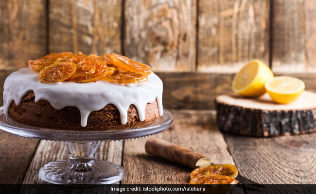 8 Pretty Stands To Serve Your Home Baked Cakes On