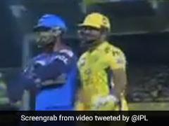 IPL 2019: ऋषभ पंत और सुरेश रैना के बीच हुई धक्का मुक्की, फैन्स बोले- 'धोनी के साथ मत करना...' देखें VIDEO