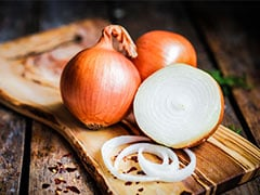 Raw Garlic And Onion May Reduce Risk Of Breast Cancer Among Women: Study