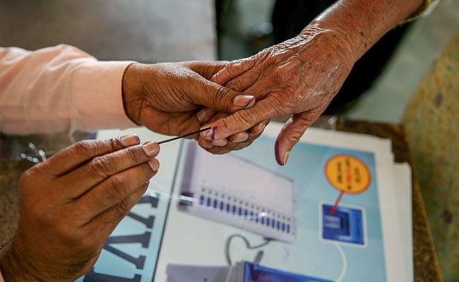 West Bengal Election Results 2019 Live Updates: বাংলায় তৃণমূলের ঘাড়ে নিঃশ্বাস ফেলছে বিজেপি